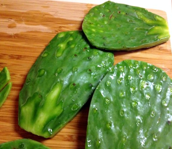 Authentic-Mexican-Cactus-Leaves-salad-TBK