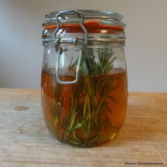 rosemary vinegar2